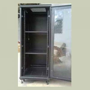 close Rack 42u depth 1100mm glass door
