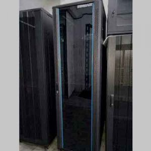 standing close rack 42u 900mm
